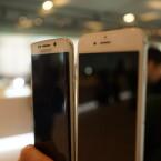 Obwohl das S6 Edge über ein gebogenes Display verfügt, finden wir auch die Vorderseite ähnlich. Aber da sind sich viele Hersteller einig.