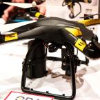 Hobbico stellt den Quadrocopter ORA aus. Der Copter wiegt 1060 Gramm und ist speziell für FPV-Flüge ausgerüstet.