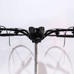Parrot zeigte auf der CES 2015 auch einen Quadrocopter von senseFly. Die eXom ist für den professionellen Markt konzipiert und ist vollgepackt mit Sensoren.