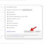 """In dem geöffneten Dialogfenster legt ihr fest, welche Daten ihr löschen möchtet. Achtung: Lasst ihr das Häkchen bei Passwörter drin, müsst ihr euch anschließend überall wieder anmelden, wo ihr eure Passwörter gespeichert hattet, auch bei eurem Google-Account. Um das Löschen zu bestätigen, klickt ihr auf """"Browserdaten löschen""""."""