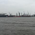 Der Hamburger Hafen, aufgenommen mit Smartphone Nummer 3