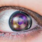 Mit den Kontaktlinsen von Adobe macht ihr euch die Welt, wie sie euch gefällt.