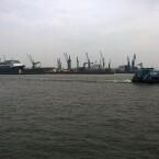 Der Hamburger Hafen, aufgenommen mit Smartphone Nummer 4