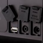 ...Anschlüsse finden sich gut geschützt auf der Rückseite. Praktisch: Über den USB-Port könnt ihr euer Handy aufladen. Ebenfalls...