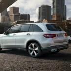 Der GLC ist der direkte Nachfolger des GLK. Mercedes hat das SUV grundlegend überarbeitet und..