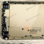 Abgesehen von der Position einiger Schrauben ändert sich auf dem ersten Blick kaum etwas beim iPhone 6s Plus.