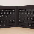 ...lässt sich die Tastatur zusammenfalten.