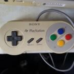 Ein typischer Super Famicom-Controller...
