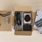 Die Canon PowerShot N2 wird geliefert mit einem Mini-USB-Ladekabel, einem Lithium Akku und einer Schlaufe für das Handgelenk.