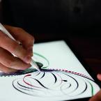 Der Apple Pencil soll dank geringer Latenz ein natürliches Schreibgefühl bieten.
