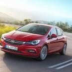 Der völlig neu gestaltete Opel Astra zieht auf der IAA die Blicke auf sich. Vor allem ...