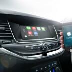 Das Infotainment-System ist kompatibel zu Apple CarPlay und Android Auto.