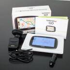 Das TomTom Go 5100 wird mit KFZ-Halterung, USB-Adapter, USB-Kabel und Kurzanleitung ausgeliefert.