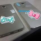 So besteht die Rückseite des Galaxy A3 (2015) und Galaxy A5 (2015) nicht wie beim Vorgänger aus Metall, sondern offenbar aus Glas.