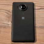 Erhältlich ist das Microsoft Lumia 950 XL in den Farben Schwarz und Weiß.