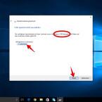 """Der benötigte Speicherplatz auf dem USB-Stick wird euch angezeigt. Achtung: Wählt an dieser Stelle bei mehreren angeschlossenen Laufwerken das richtige Laufwerk aus. Auf dem ausgewählten Laufwerk werden alle Daten gelöscht. Klickt anschließend auf """"Weiter""""."""