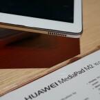 Das Huawei MediaPad M2 10 bietet in jeder Ecke einen Lautsprecher.