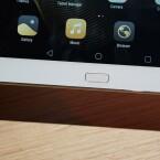 Unterhalb des Bildschirms bietet dsa Huawei MediaPad M2 10 einen...