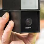 Unten befindet sich der eigentlich Kamera-Sensor, der Videos in Full HD aufnehmen kann.