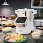 Viel kann auch der Prep&Cook von Krups. Die Steuerung erfolgt per LCD-Anzeige, integriert sind viele Koch- und Backprogramme.