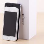 Das iPhone 5s ist nicht nur schmaler sondern auch deutlich kleiner als der Nachfolger.