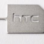 Um den SIM-Slot des HTC One M9 zu öffnen, bedarf es diesem kleinem Tool.