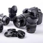 Kamerahersteller entwickeln gerne ihr eigenes System, die untereinander inkompatibel zueinander sind. Vor dem Kauf sollten sich Kunden über das Objektivangebot informieren.