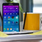 Das Galaxy Note 4 bietet eine Pixeldichte von 518 ppi.