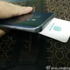 An der Oberseite des Galaxy Note 5 befindet sich ein Einschub für eine SIM-Karte.