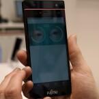 Soll Fingerabdruckscanner in Smartphones ersetzen: der Iris-Scaner von Fujitsu.