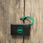 Die Gnarbox ist kompakt, handlich und kleiner als eine externe Festplatte.