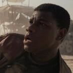 Finn begleitet Rey in Star Wars: Das Erwachen der Macht.