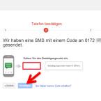 Google sendet Ihnen zur Überprüfung der eingegebenen Handynummer jetzt einen Code per SMS. Diesen geben Sie in das angezeigte Formularfeld ein. Damit bestätigen Sie, dass Sie tatsächlich Zugang zu der Rufnummer haben und sich bei der Eingabe nicht vertippt haben. (Bild: Screenshot / google.com)