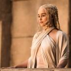 In Gedanken beim Eisernen Thron? Daenerys Targaryen.