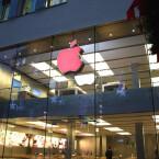 Der Apfel des Münchner Shops ist ebenfalls rot.