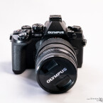 Die Olympus OM-D E-M1 ist eine Micro Four Thirds-Systemkamera mit 16-Megapixel-MOS-Sensor. (Bild: Marcel Ruhnau/System-Photography.com)