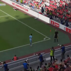 FIFA 15-Standard: Eckball, Kopfball, Tor? (Bild: Screenshot YouTube dev1TV)