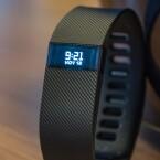 Auf allen neuen Fitness-Trackern von Fitbit ist ein Display vorhanden.