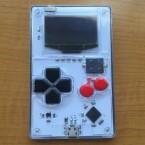 Der Arduboy erinnert stark an Nintendos Game Boy.