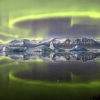 """James Woodends """"Aurora over a Glacier Lagoon"""": das Siegerfoto des Wettbewerbs 2014.  (Bild: James Woodend)"""