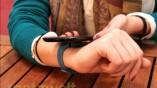 Der Tracker lässt sich via Bluetooth 4.0 oder...