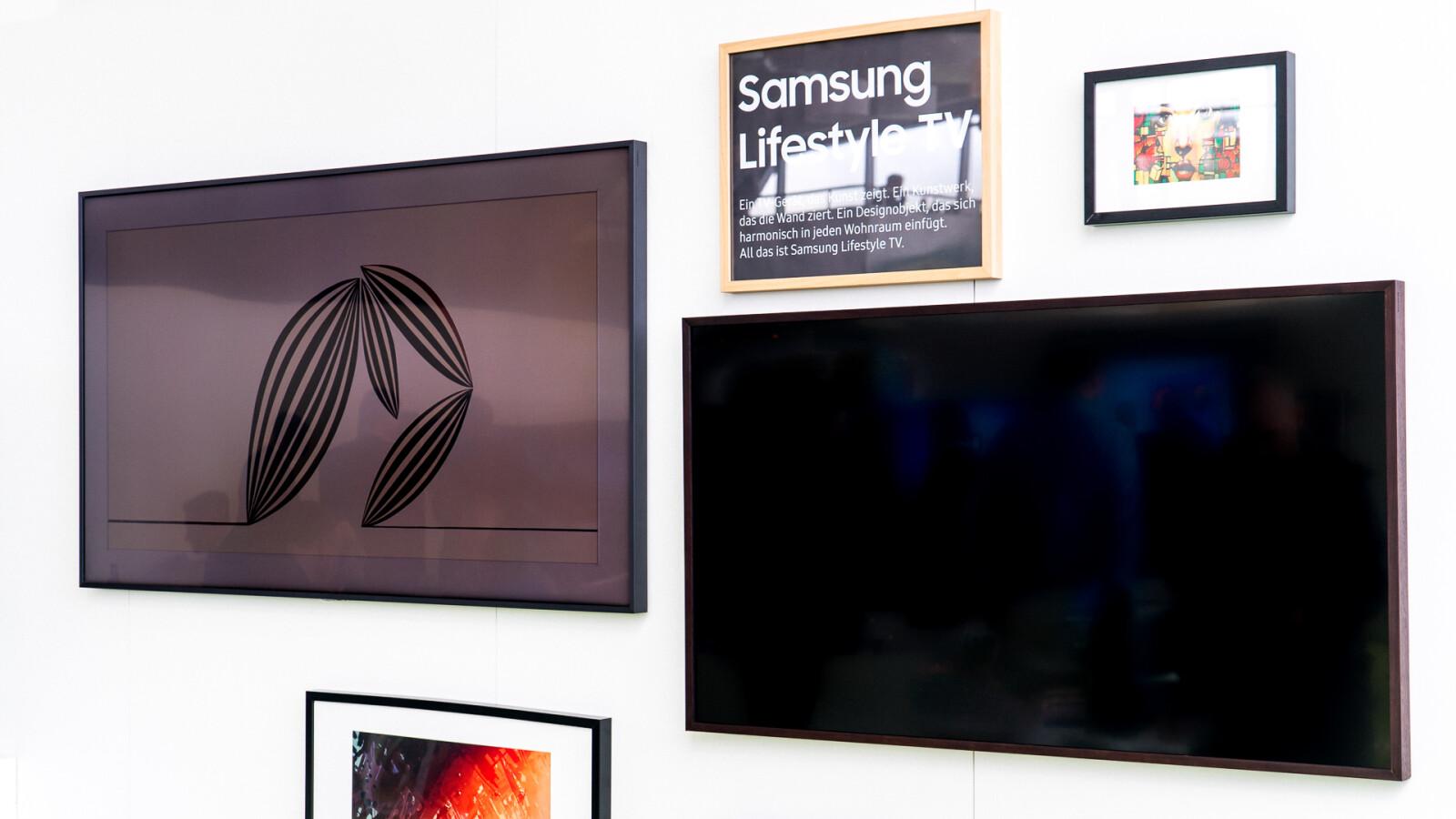 angeschaut samsung frame tv ein fernseher bilderrahmen wie ein gem lde netzwelt. Black Bedroom Furniture Sets. Home Design Ideas