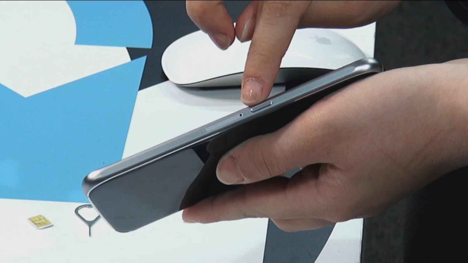 Samsung A5 Sd Karte Einlegen.So Geht S Samsung Galaxy S6 Nano Sim Karte Einlegen