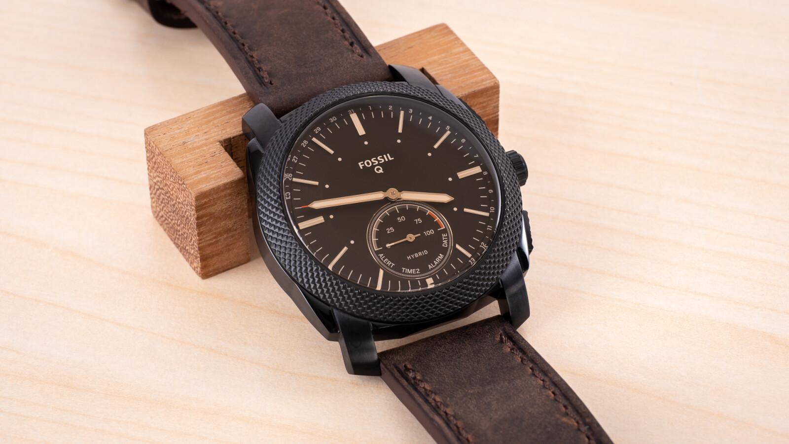 fossil q machine gut getarnte hybrid smartwatch im test. Black Bedroom Furniture Sets. Home Design Ideas