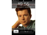 Bild: Rick Astley erscheint auf dem Hintergrundbild des gehackten iPhones
