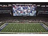 Bild: Die 600 Tonnen schwere Video-Installation bietet gute Sicht für die bis zu 100.000 Zuschauer im Stadion der Dallas Cowboys.
