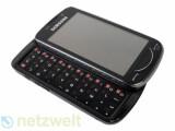 Bild: Vollgestopft mit Funktionen aber auch 58 x 113 x 16,5 Millimeter groß und über 160 Gramm schwer: Samsung Omnia Pro B7610