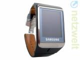 Bild: Sieht aus wie eine normale Armbanduhr, klingelt und vibriert aber, wenn ein Anruf eingeht: Samsung S9110 Watchphone.