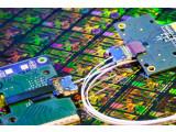 Bild: Mit dem Silicon Photonic Chip von Intel sind ganz neue Computerbauweisen denkbar.