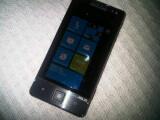 Bild: Das Vorserienmodell eines Asus Smartphone mit Windows Phone 7 wurde in Pakistan gesichtet.